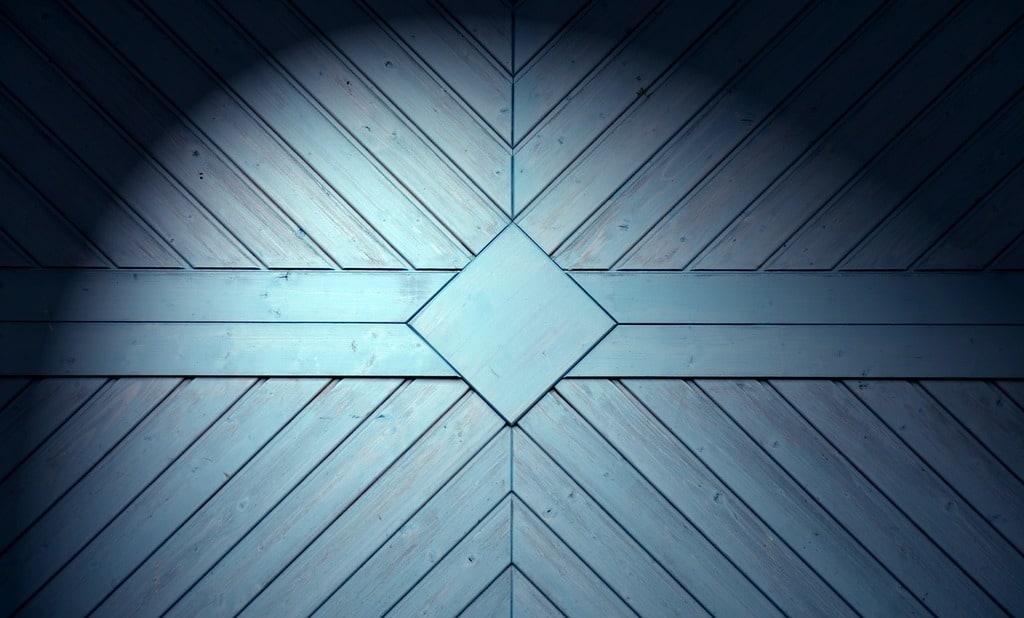 Quel matériau pour une porte de garage ?