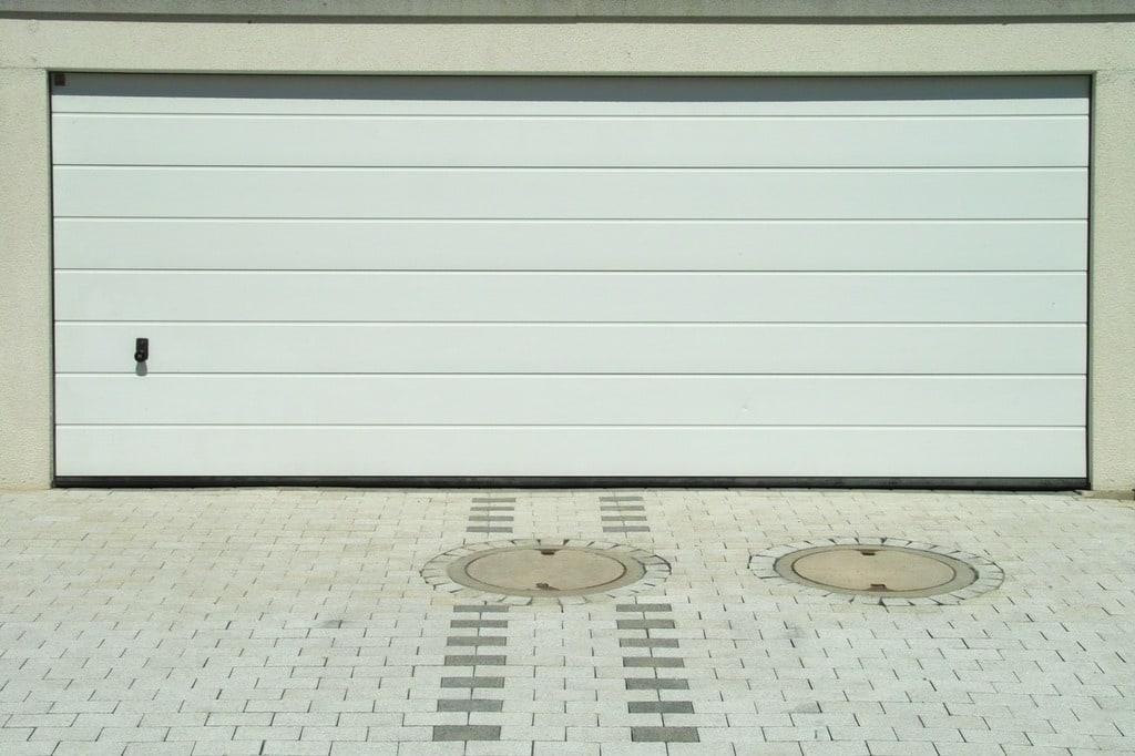 Conseils pour bien poser sa porte de garage